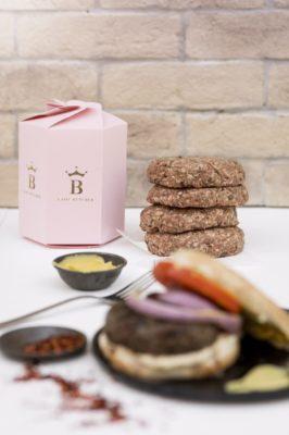 Συσκευασία και τρόποι ψησίματος καλύτερου burger στον κόσμο και burger κάνναβης