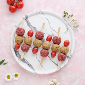 Cherry Burgers σε ξυλάκι από τη Lady Butcher